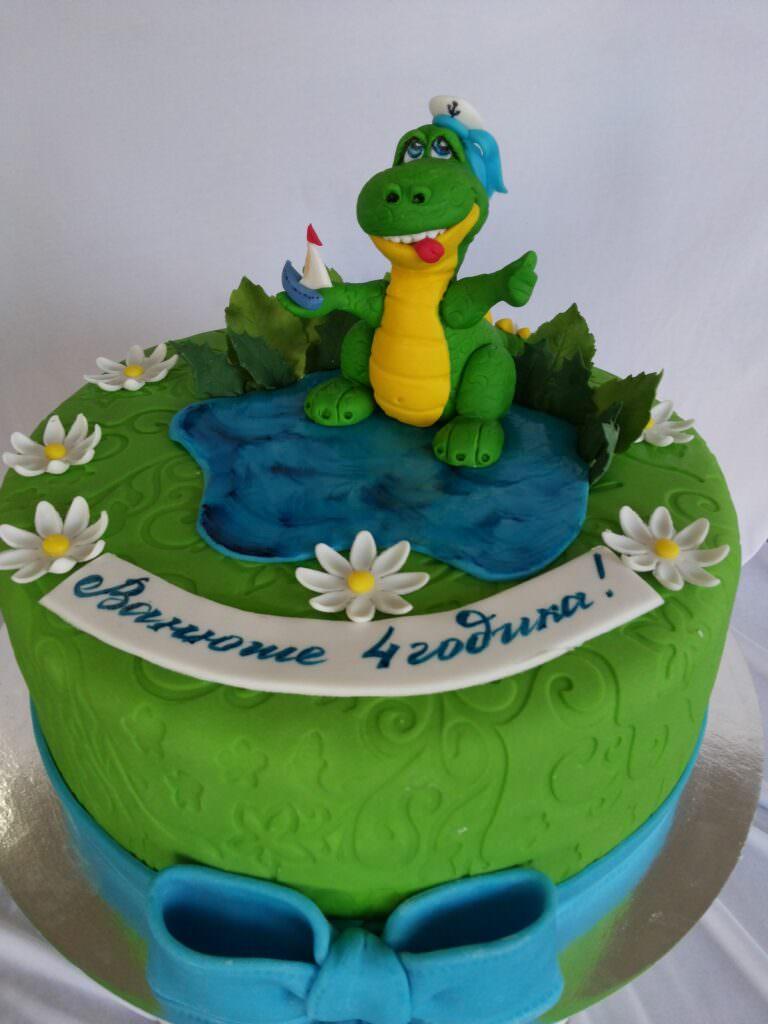 Детский торт с Дракошей