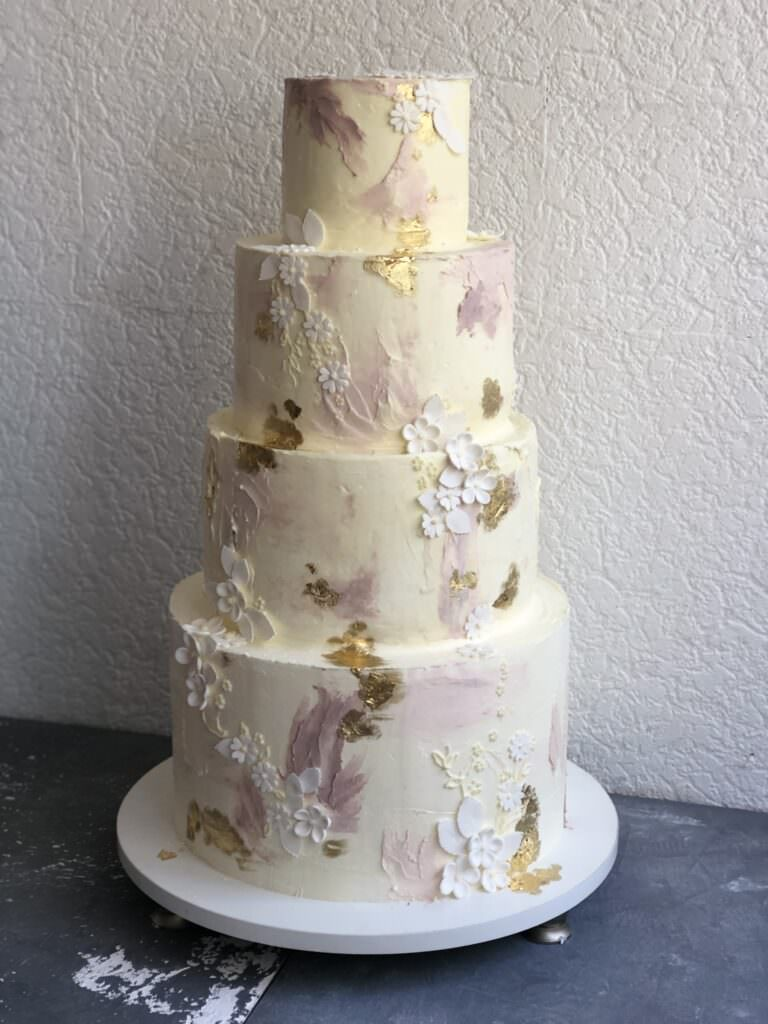 Свадебный торт с акварельной кремовой росписью
