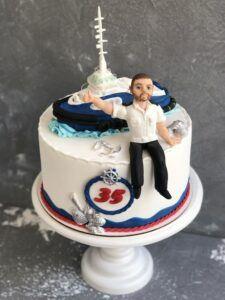 Праздничный торт для моряка
